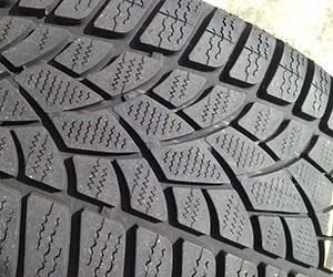 車-タイヤ-空気圧-交換時期-スタッドレスタイヤ-寿命-サイズ-タイヤ溝画像