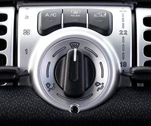 車-エアコン-効かない-原因-冷房-冷えない-暖房-温まらない-意味-使い方-A-Cボタン-画像