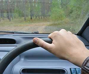 車-ハンドル-異常-原因-異音-カタカタ-キュルキュル-重い-軽い-真っ直ぐ走らない-ロック-解除方法-ハンドル-画像