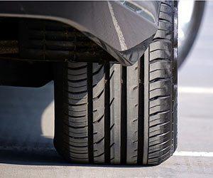 車-ハンドル-異常-原因-異音-カタカタ-キュルキュル-重い-軽い-真っ直ぐ走らない-ロック-解除方法-タイヤ画像
