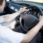 車のハンドル異常の原因は?(異音カタカタ、キュルキュル・重い・軽い・真っ直ぐ走らない)ハンドルロックの解除方法を紹介!