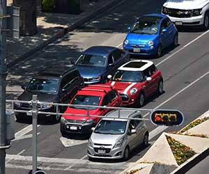 AT車-オートマ車-エンスト-原因-対処法-信号待ち-エンストしそうになる-停車中-画像