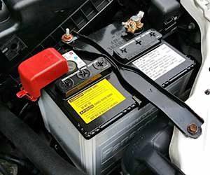 車-異臭-原因-生臭い-ゴム-焦げ臭い-硫黄-酸っぱい臭い-オルタネーター-故障-希硫酸-バッテリー液-画像