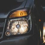 車のライト交換の時間・費用・寿命は?ヘッドライトの内側の黄ばみの原因とは?
