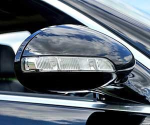 車-サイドミラー-動かない-開かない-原因-片方だけ-故障-ガタガタ-モーター-異音-止まらない-折りたたみ画像
