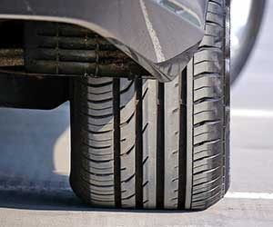 車-燃費が悪くなる-原因-燃費を上げる-方法-メンテナンス-タイヤ画像