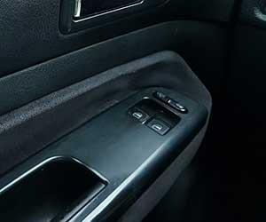 車-スライドドア-開かない-閉まらない-原因-ワイヤー切れ-異音-モーター-故障-途中で止まる-症状-ドア内側画像