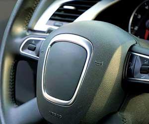 車-クラクション-鳴り続ける-鳴らない-原因-ホーン-音-止まらない-セキュリティ-止め方-マーク画像