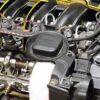 車-オイル漏れ-水漏れ-原因-症状-場所-エアコン-下-運転席-助手席-後部座席-エンジンルーム-エンジンオイルキャップ-画像