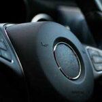 車のクラクションが鳴り続ける・鳴らない原因は?ホーンの音が止まらないセキュリティ作動の止め方を紹介!