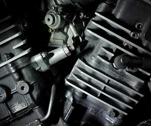 車-エンジン警告灯-点灯-点滅-原因-黄色-エンジンマーク-消えた-部分-画像