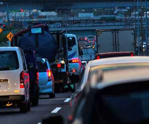 オートマオイル-交換-必要性-交換時期-費用-目安-渋滞-画像