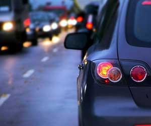 車-虫-死骸-取り方-取れない-放置-シミ-原因-夜間走行-画像