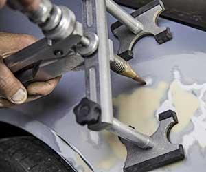 車-傷-へこみ-自分で直す-コンパウンド-吸盤-修理-方法-板金-画像