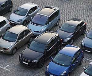 車-ドア-ぶつけた-対応-傷-塗装-修理代-保険-駐車場-画像