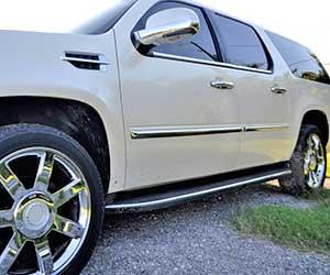 車-サイドステップ-外れた-傷-へこみ-修理-交換-足置き場-画像