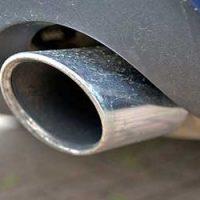 車-マフラー音-うるさい-故障-カラカラ-カタカタ-振動音-ボコボコ-ポコポコ-異音-原因-排気-画像