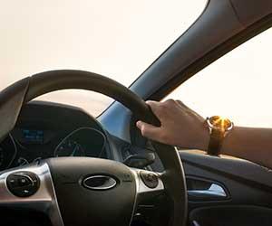 ロードノイズ対策-効果的-低減-プレート-マット-運転-画像