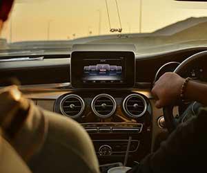 ロードノイズ対策-効果的-低減-プレート-マット-車内-画像