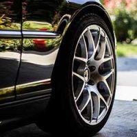 車-フェンダー-爪折り-デメリット-ホイール-画像