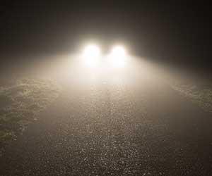 車-フォグランプ-黄色-後付け-車検-必要性-ライト-画像