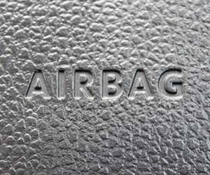 エアバッグ警告灯-点滅-原因-点いたり消えたり-ロゴ画像