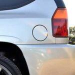 車の給油口が開かない・閉まらない原因は?修理費用の目安を紹介!