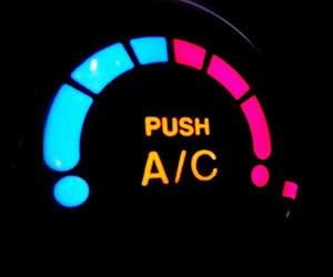 車-エアコン-臭いを取る方法-酸っぱい-臭い-原因-スイッチ-画像