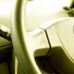 車の消臭剤おすすめ無香料!目立たないシート下専用やスチームタイプ