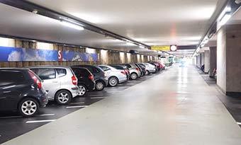 サイドブレーキ-足踏み式-解除できない-戻らない-故障-原因-駐車場-画像