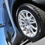 タイヤワックスは水性がおすすめ!ひび割れ防止に効果的!