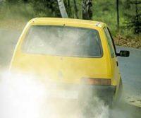 車が加速しない・鈍い原因は?アクセルを踏んでもスピードが出ないガタガタ・ガクガク振動や異音を伴う症状に要注意!